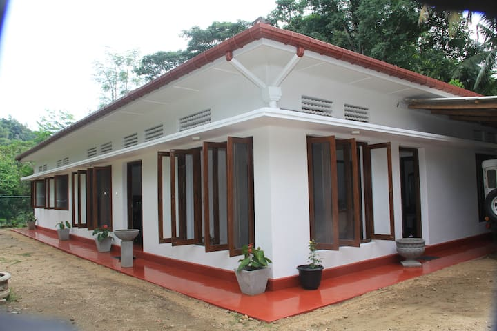 Mahaweli Shades - Kundasale - Bed & Breakfast