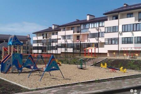 "Квартира ЖК ""Легенда"" с. Дивноморское - Divnomorskoye - Wohnung"