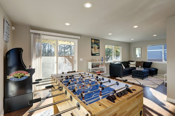 1st Floor, 2nd Living Room area; Perfect for Entertaining