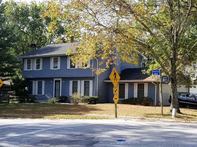 5 BR Home  w/mins to Wash. D.C. & Baltimore