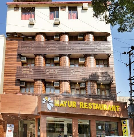 Hotel Mayur By RoomsInc - Jammu and Kashmir - Boutique hotel