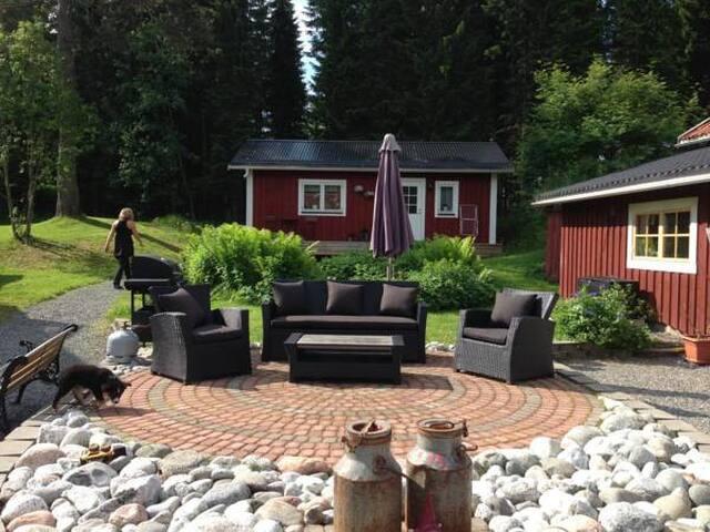 Mysig stuga på hästgård utanför Östersund - Krokom S - Hus