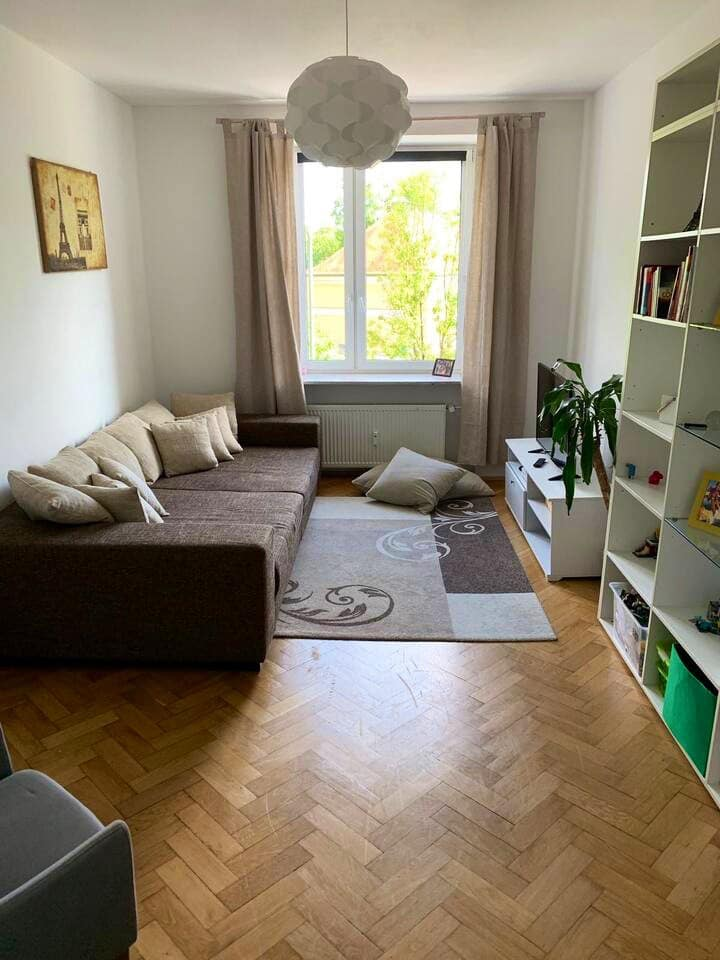 Cozy & large apartment in front of the Isar River