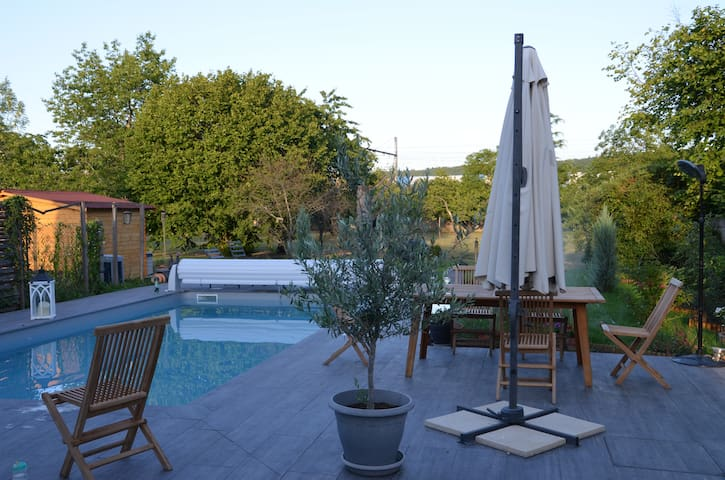Bourgogne. Villa avec piscine chauffée