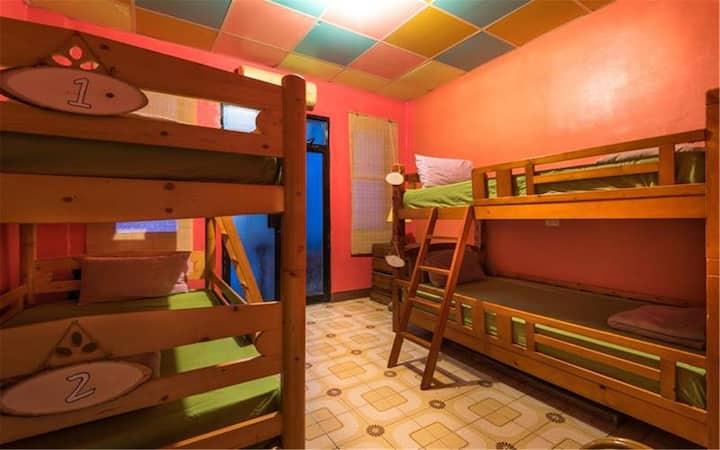 WaGaLiGong Surf Hostel Kaya Room B (4 bunks)四人背包客房