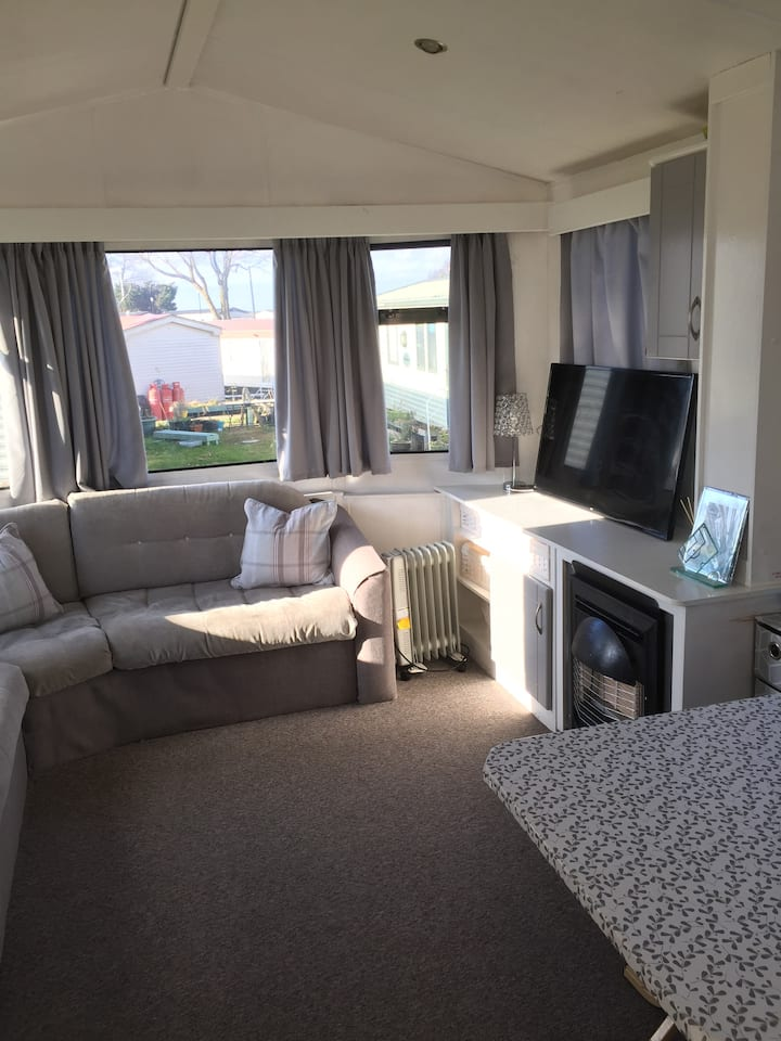 Cosy home from home static caravan