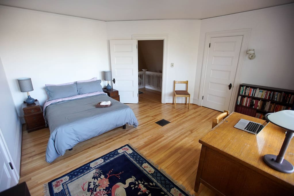 2FL- Bedroom with workspace