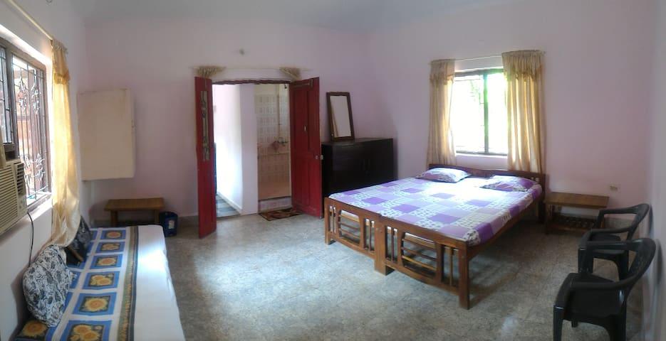 Guesthouse near Coco beach, North Goa