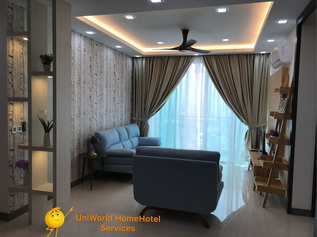 Luxury HomeHotel Paragon Suites CIQ/Custom 1-8 pax