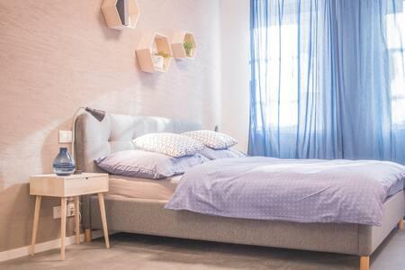 Dvoulůžkový soukromý pokoj v Hostelu CMYK