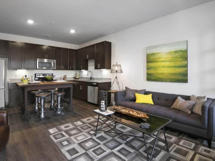 Live + Work + Stay + Easy   2BR in Prospect