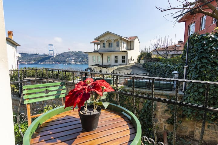 Stunning Duplex 4BR Home with Amazing Bosphorus View