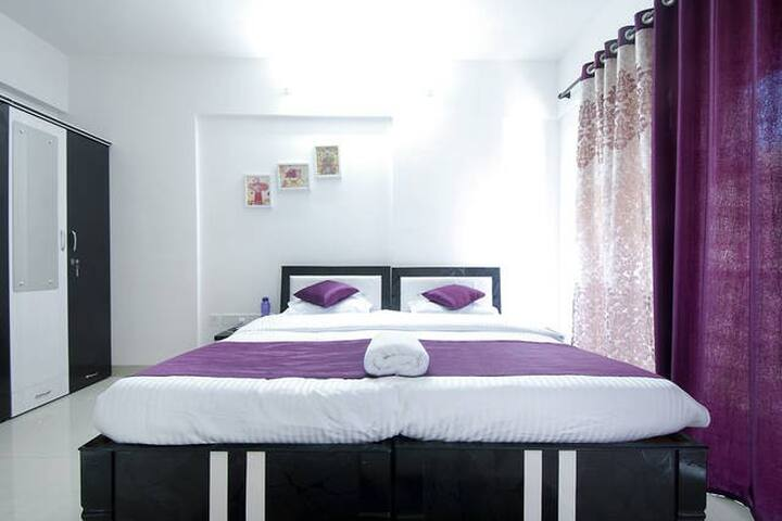 Pvt. one room from 3BHK can accommodate 1-3 guests