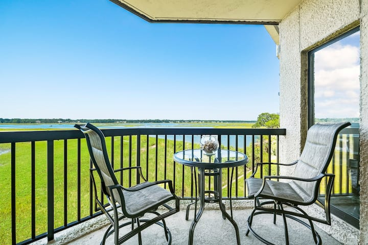 Spectacular Condo overlooking Broad River  !!