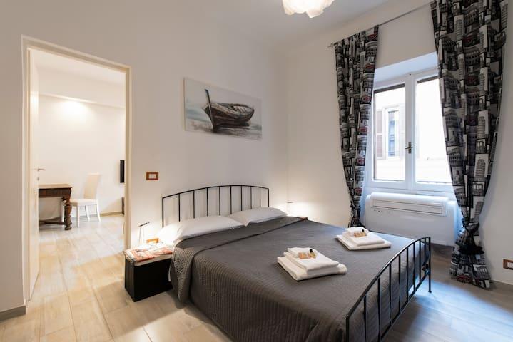 Teatro Valle Apartment - Location in Navona! 1DBR