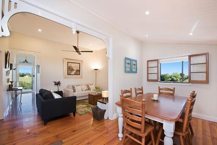 'Watson House' Restored Luxury 100 yo Colonial - Maleny - House