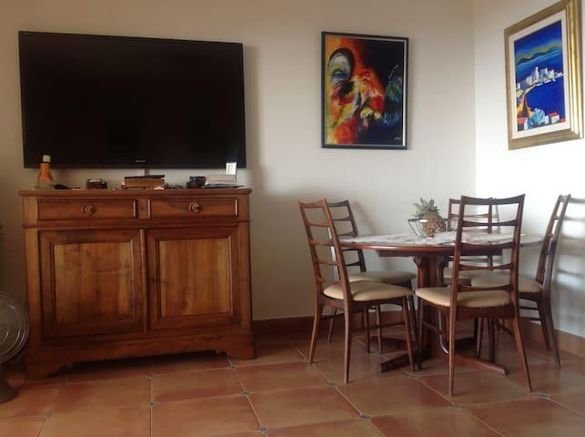 Maison vue mer au calme - Roquebrune-sur-Argens - Rumah