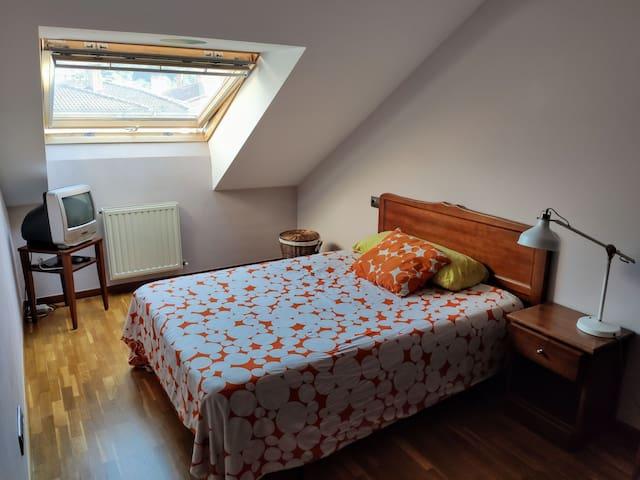 Cómoda habitación privada en el centro de Asturias