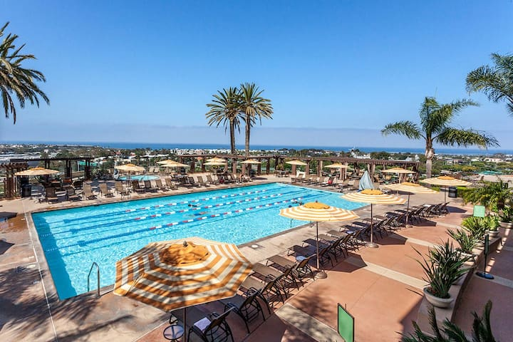 Oceanside Grand Pacific Palisades Villa +Amenities