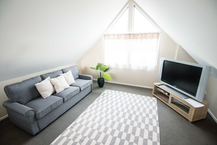 Sunny 2 Bedroom  Apartment in Central Christchurch