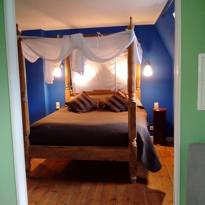 4 poster bed 160 x 200