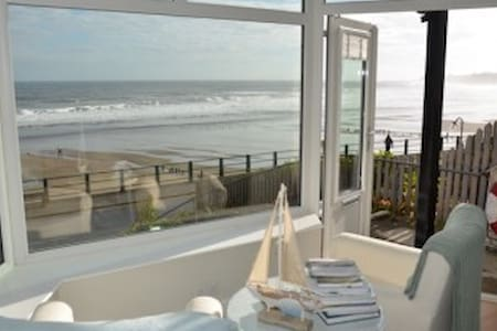 Seafront apartment in Sandsend with stunning views - Sandsend - Appartement