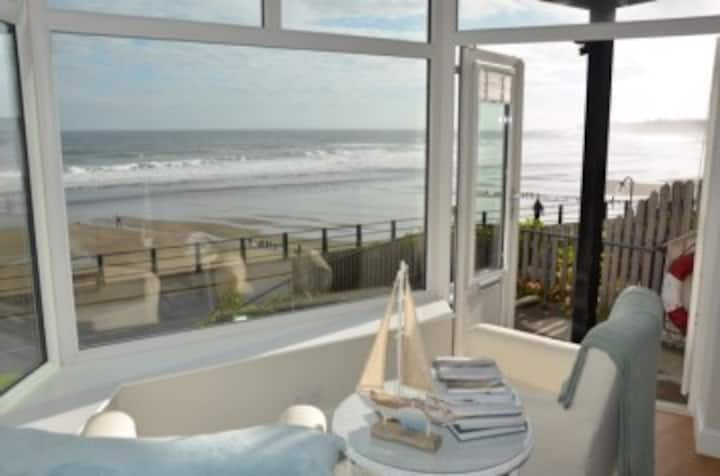 Seafront apartment in Sandsend with stunning views