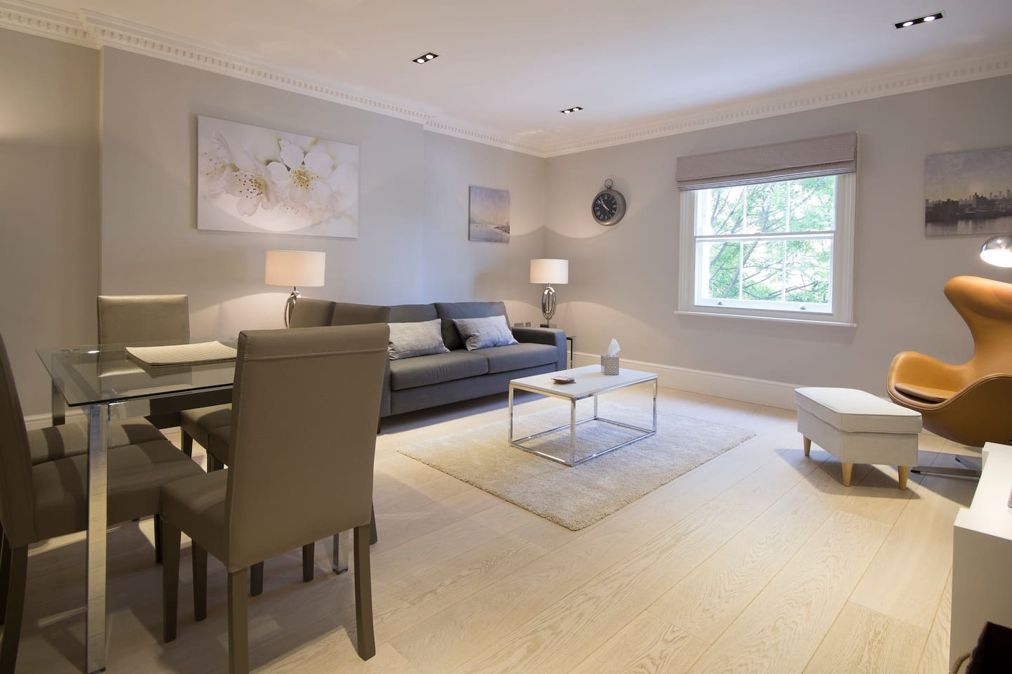 Nestled in one of London's most fashionable area, this stunning two bed, two bath apartment on the 2nd floor of a restored townhouse offering luxury living and a perfect base for exploring London