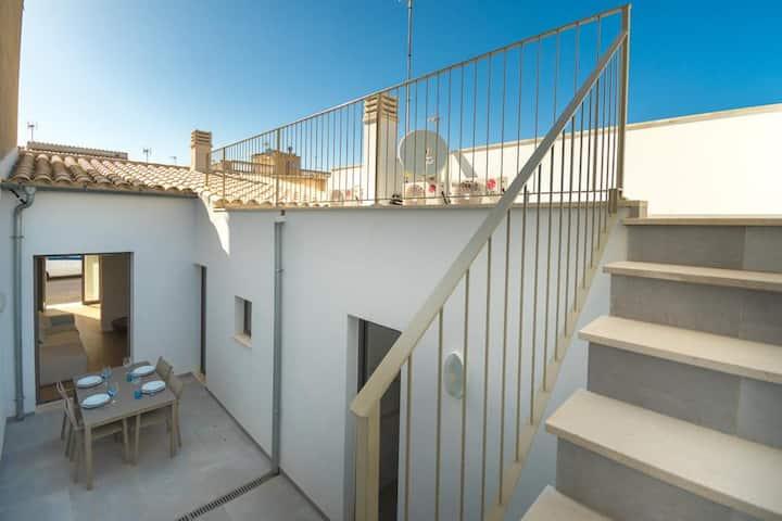 Cozy mediteranean house near the sea Cala Morlanda