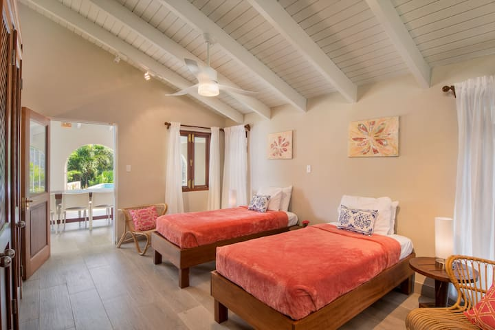 one of the 2 twin bedded rooms.  Direct access to covered lanai and pool.