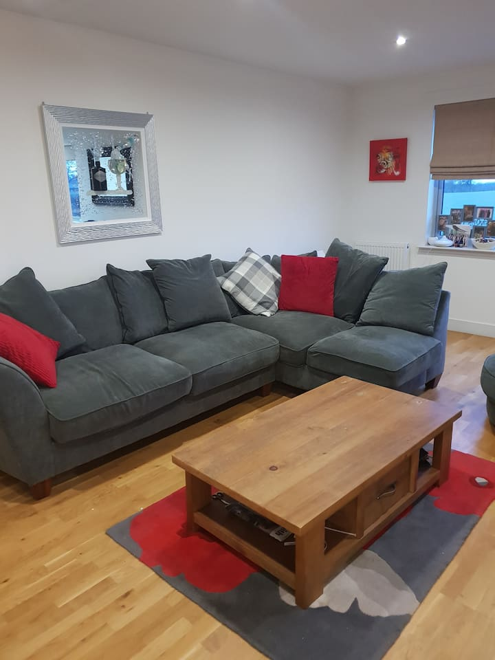Shared lounge with sky tv