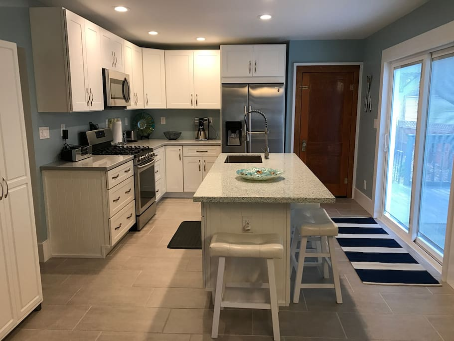 Kitchen - fully remodeled