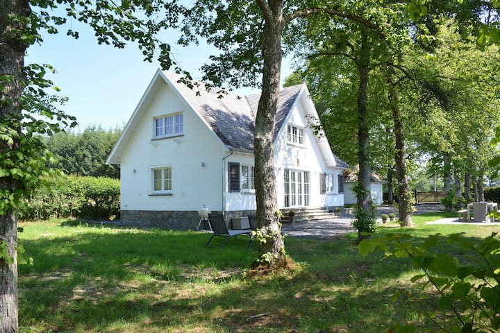 Very nice, fully renovated house in the heart of the countryside, great comfort