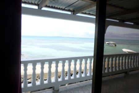 Private Room - Ocean View - Mimundo Hostel