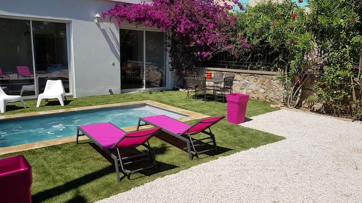 Bas de villa avec piscine 5 min du port de Bandol