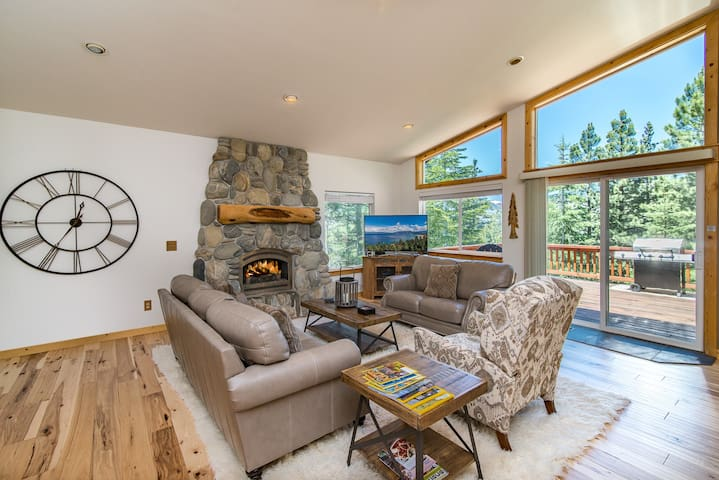 3,700 Sq. Ft Mountain Bungalow - South Lake Tahoe - Appartement
