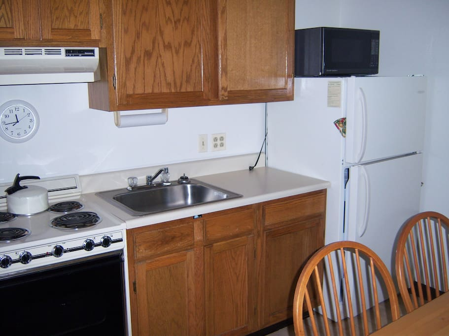 fully equipped kitchen. coffee maker full size fridge & stove microwave, pots & pans everything you'll need for a fun ski vacation