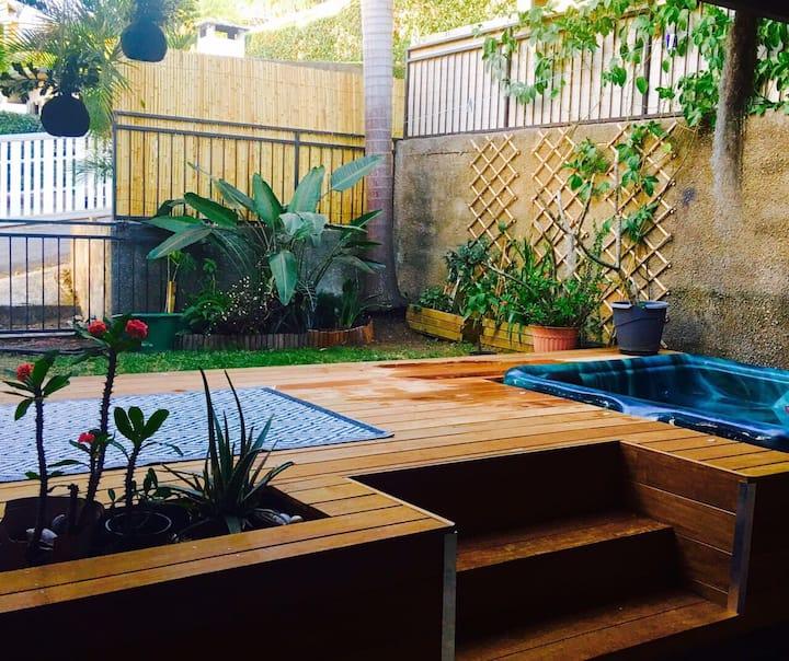 Grand F2 charmant, moderne et calme, Jardin + Spa