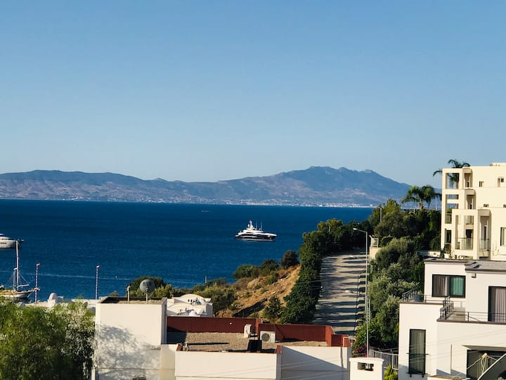 Kumbahçede denize 100 metre müstakil dubleks villa