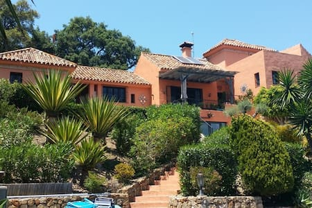 Luxury home in a stunning, private, secluded finca - Lejlighed