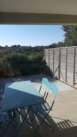 T2 avec grande terrasse - Figari - Apartament
