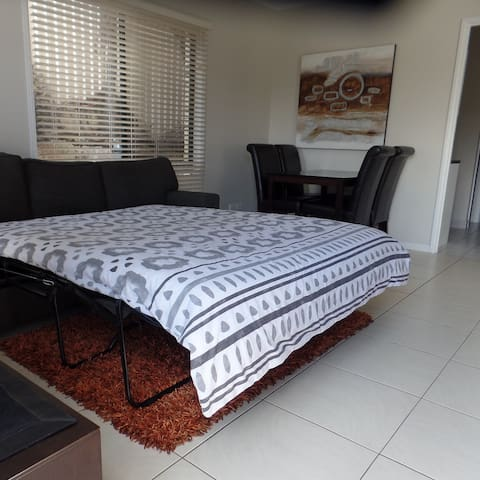 3 Seater Sofa Lounge with Double Fold Out Bed.