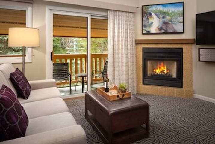 Marriott StreamSide at Birch,Vail, CO Studio max 4