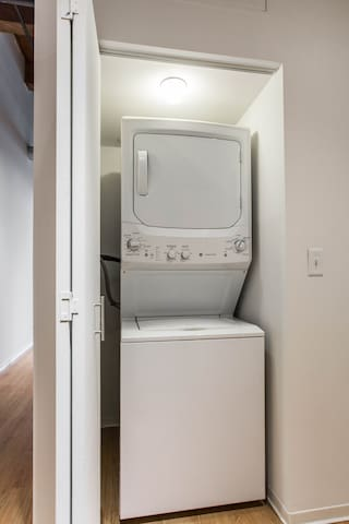 In-unit washer/dryer!