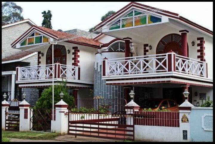 Beautiful homestay nestled in Kodai # TMCOD004