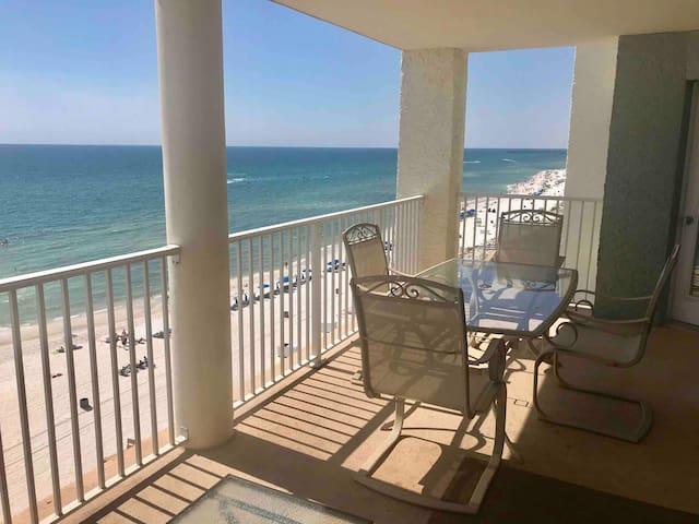 Luxury 2  Suites oceanfront @ LongBeach resort