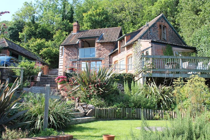 The Coach House in Porlock Weir, Sleeps 2 guests