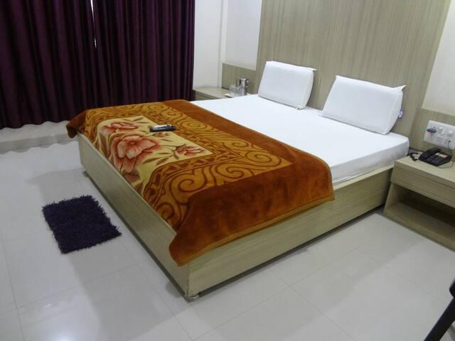 JK Rooms - Empress Mall Nagpur Save Upto 60%+ B/F.