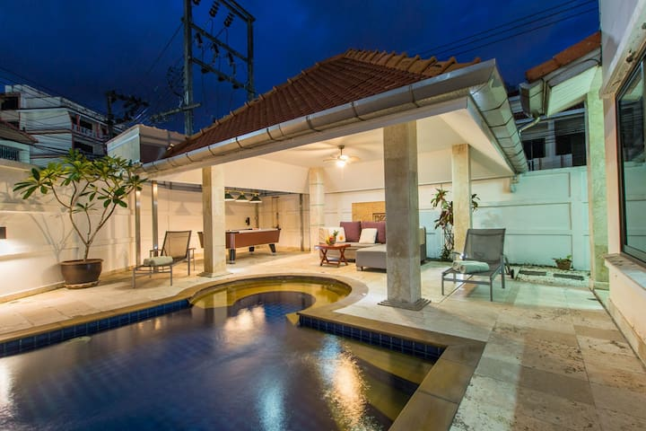 Patong private pool villa in the center of Patong