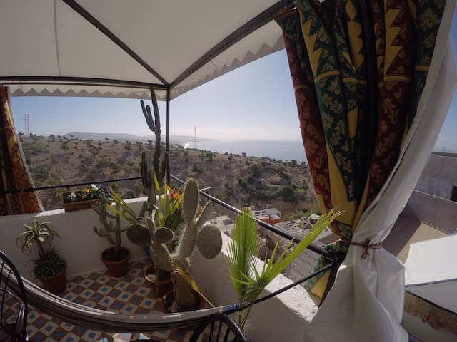 Amazing rooftop at Sunside Surf House/ Shared room - Taghazout - Hostel
